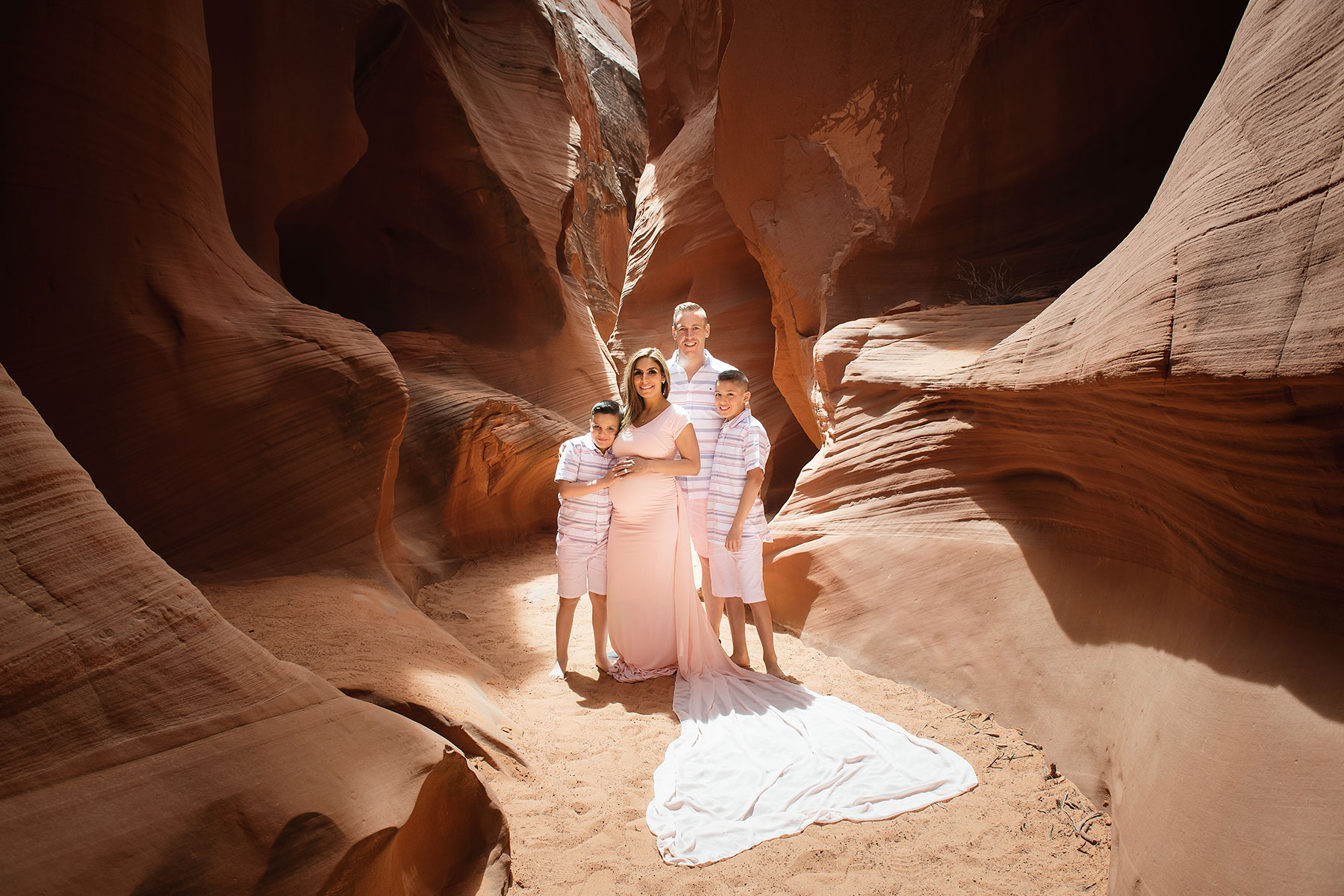 Slot-Canyon-Family-Portraits-13