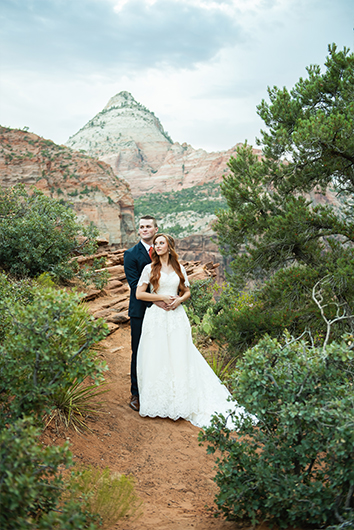 First-look-zion-wedding-portraits-10