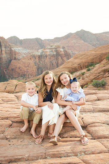 snow-canyon-state-park-family-photo-session-8