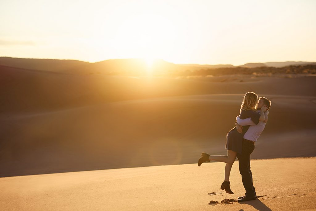 coral-pinks-sand-dunes-engagement-16