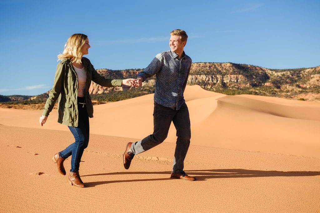 coral-pinks-sand-dunes-engagement-4