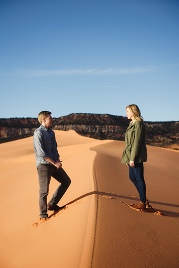 coral-pinks-sand-dunes-engagement-7