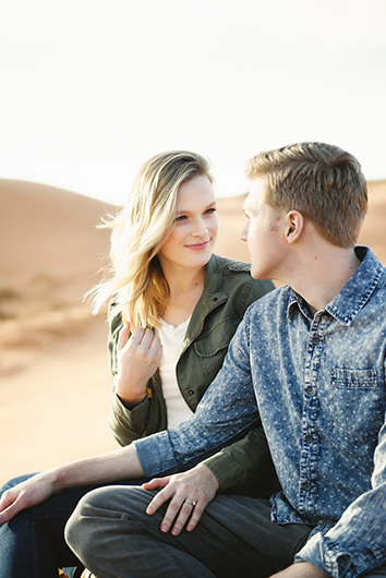 coral-pinks-sand-dunes-engagement-8