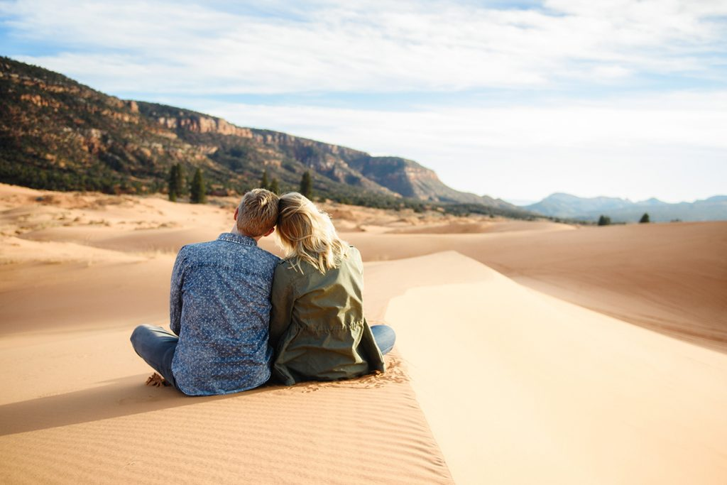 coral-pinks-sand-dunes-engagement-9