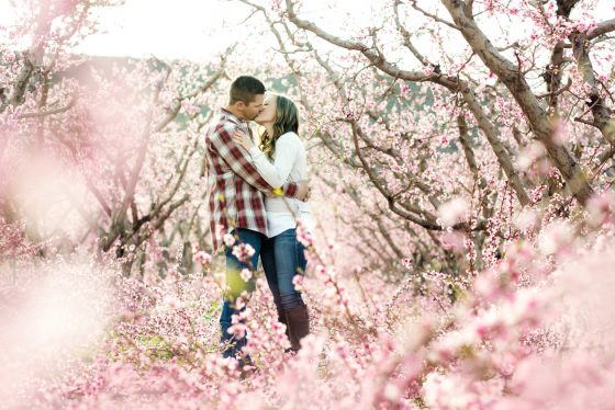orchard-engagement-photos-11